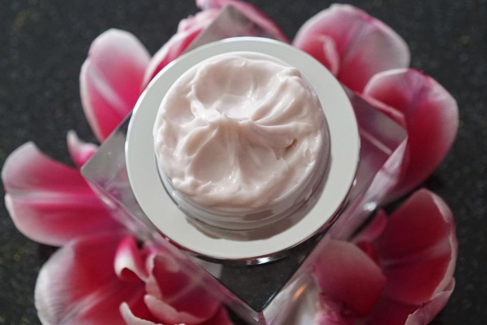 Biocura Nachtcreme wohltuende Pflege für Gesicht und Haut