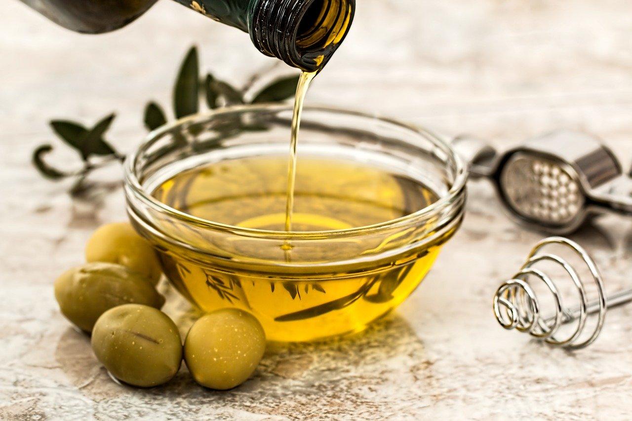 olivenoel-nachtcreme-mit-rose